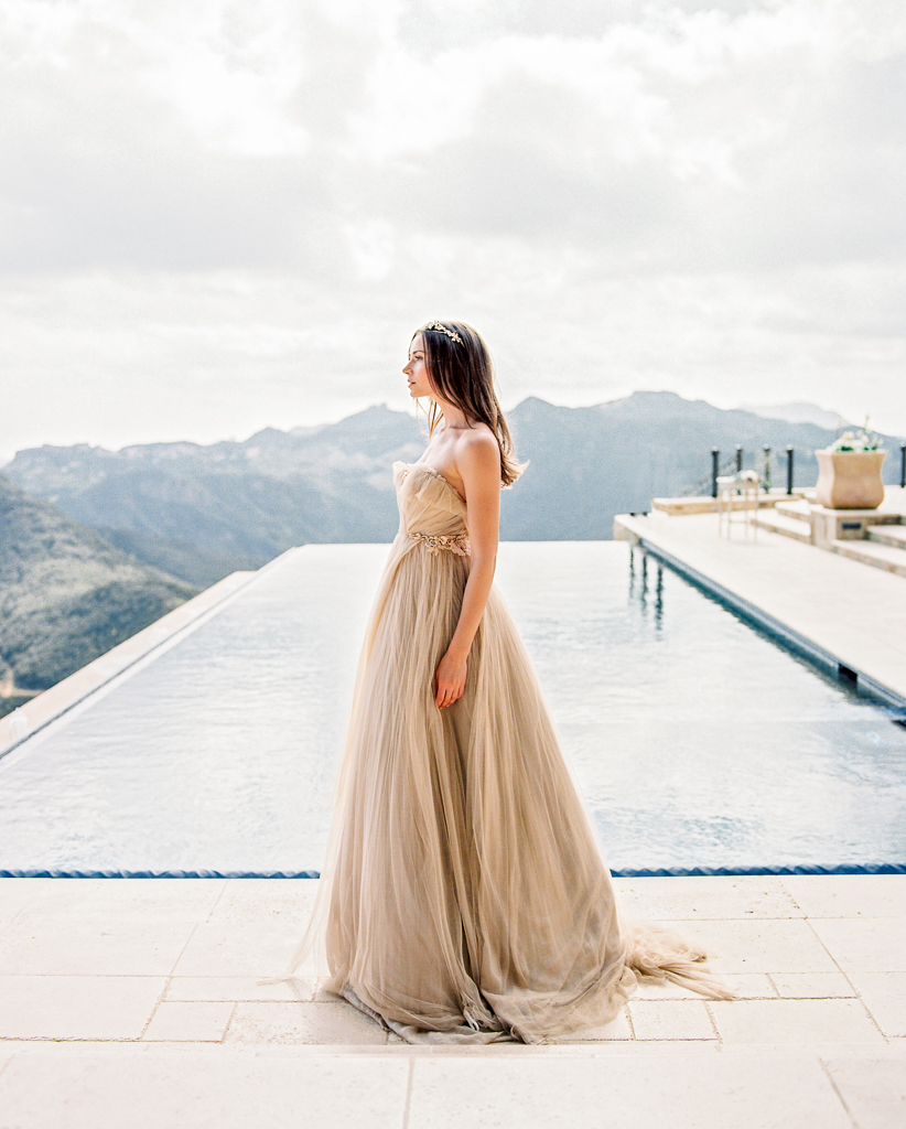 Flowy Bridal Dress Ideas Samuelle Couture Wedding Gown