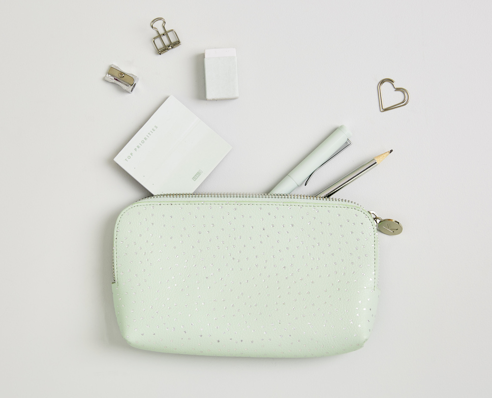 thrive_collection_pencil_case_instagram_7.jpg