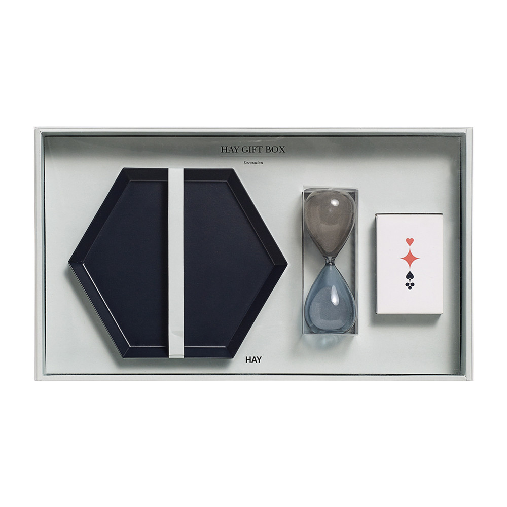 decoration-gift-box-medium-204813.jpg