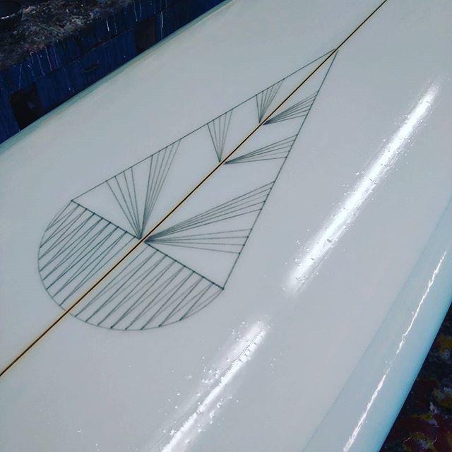 ✏ Résine & crayon ✏  #resintint #twinfin #singlefin #handshapedsurfboards