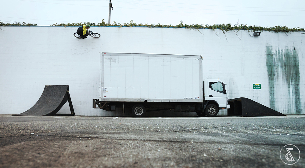 Sony-Dream-Capture-Rheeder-Airs-And-Alleys-Wall-Ride