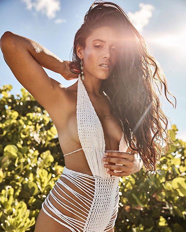 Sunshine will guide your heart even on the most darkest of days ☀️ ~Anthony T. Hincks .⠀ .⠀ .⠀ .⠀ .⠀ #swimsuit #swimwear #bikini #bikinimodel #bikinifashion #bikinigirl #bikinis #bikinibabe #bikinilife #swimsuits #bikinilover #bikinifitness #beachwear #fashion #bikiniready #bathingsuits #bikiniseason #bikinilove #beach #bikiniaddict #monokini #bikinistore #bikinitime #bikinishop #monokinis #miamiswim #miamiswimwear #miami