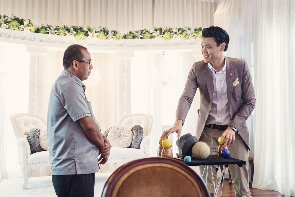 Alexander Yuen Singapore Magician