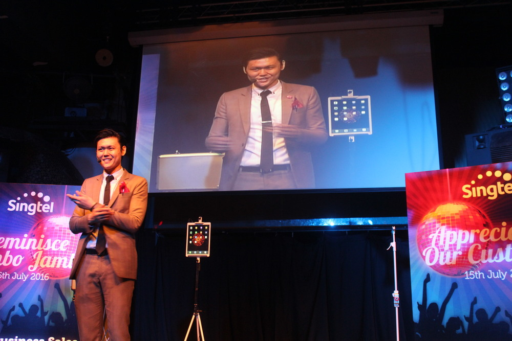 Singapore iPad Magician