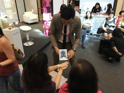 Asia iPad Magician