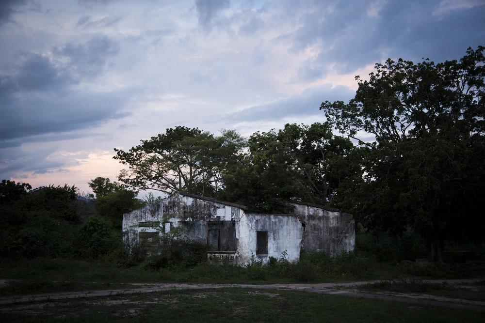 Bellavista, corregimiento del municipio de Algarrobo, fue uno de los pueblos fantasmas y adornados por calaveras del departamento del Magdalena.Esta escondido a 129 kilometros de la capital Santa Marta y separado por unos 45 minutos de Fundacion.