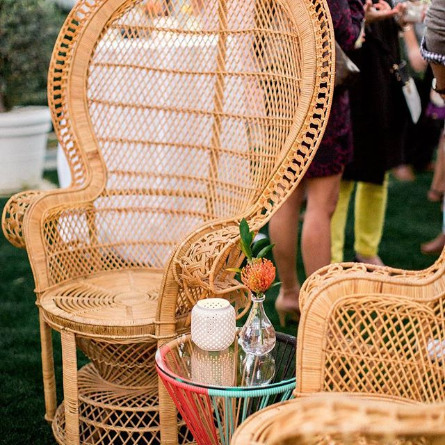 It seems these chairs travel with us everywhere we go! Loved them with the fun, bright colored table the bride had for us for this event. #midtowndesign #midtownflorals #chacha 📷: @jenwojcik