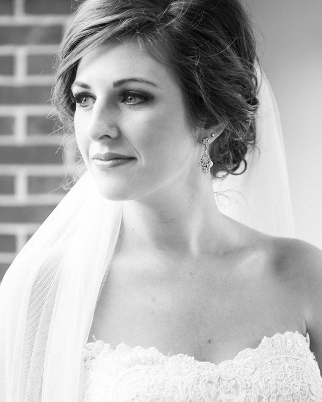 Genuine beauty. #kimboxphotography #wedding #bridalportraits #alabamaweddings #kimboxweddings @kimbox @joshuamoates