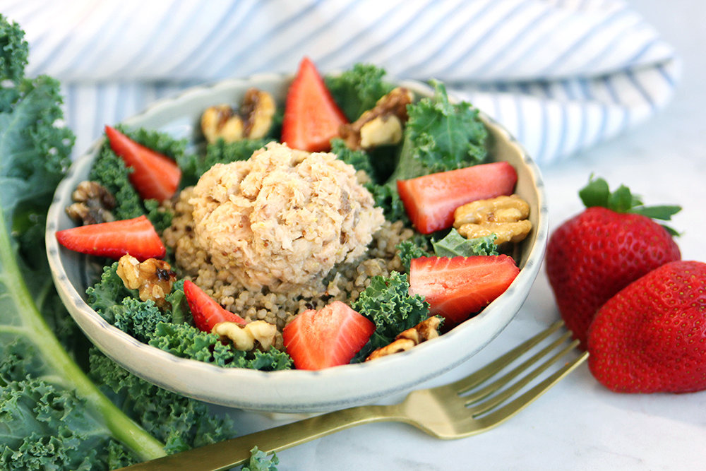 Kale Salmon Quinoa bowl_1050.jpg