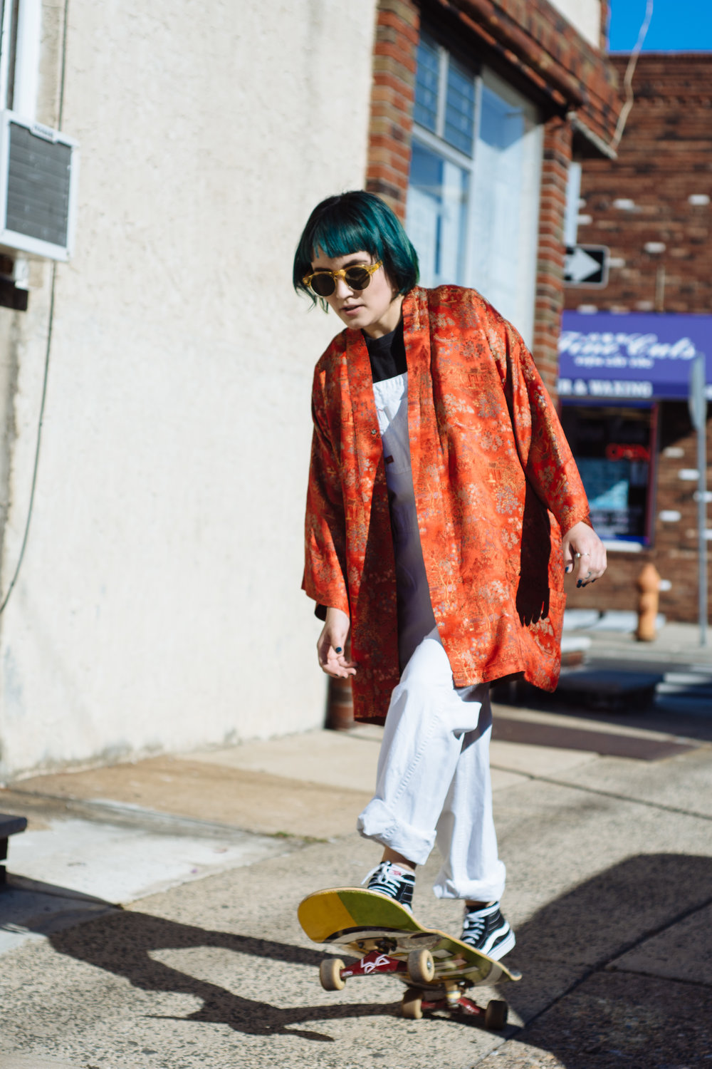 Kimono- Vintage, Overalls- Dickies, Sneakers- Vans, Sunglasses- Urban Outfitters