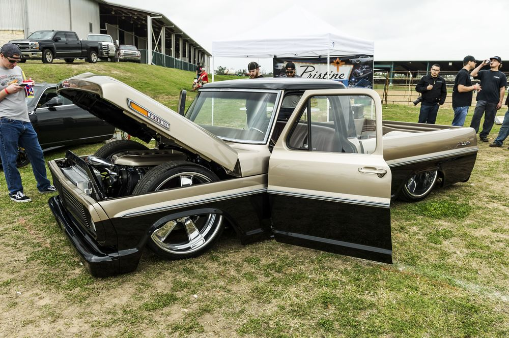 2015-lone-star-throwdown-096-ekstensive-metal-works-ford-f100.jpg