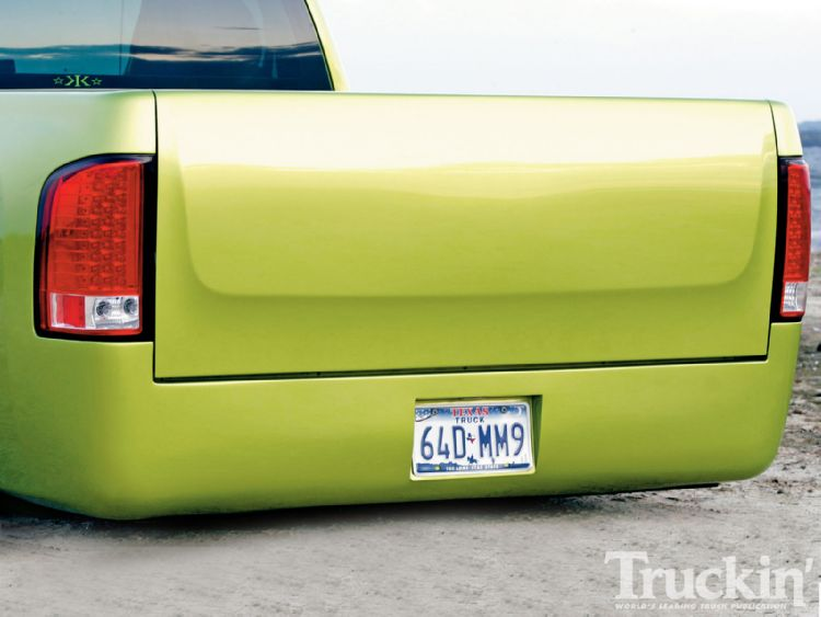 1013tr_02+2008_chevy_silverado+grant_kustoms_roll_pan.jpg