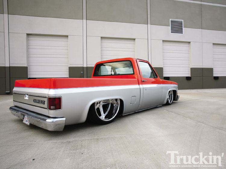 1104tr_02+1986_chevy_c10+right_rear_angle.jpg