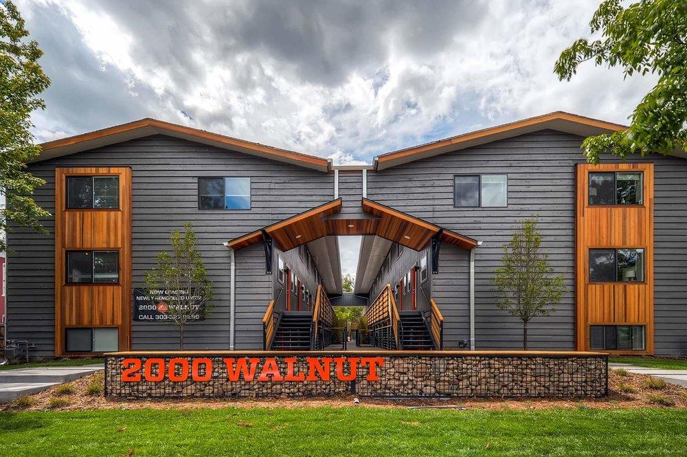 2000 Walnut