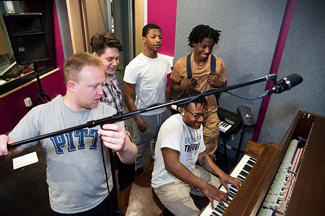These TSAP apprentices are graduating today! If you're reading this on Monday, consider joining us at the Homewood Y at 6:30pm to hear the awesome music they've been mixing up. If you see them after Monday, give them a high five. Photo by @kitcme #recordingstudio #pittsburgh #apprenticeship #remakelearning @ymca_lighthouse