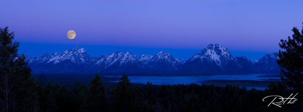 Moon Set over Grand Tetons-1200.jpg
