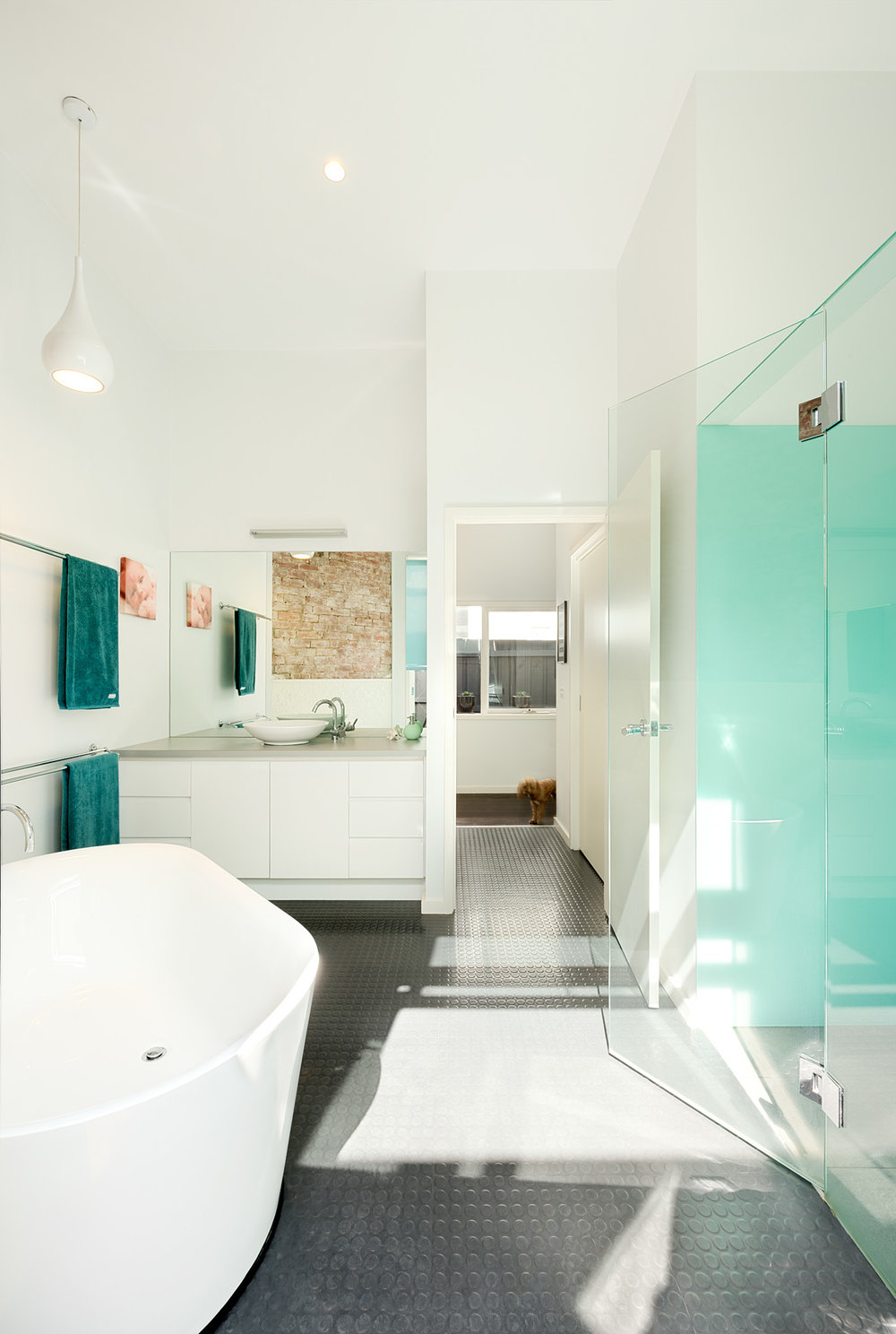 green sheep collective light filled bathroom environmentally friendly sustainable architect brunswick melbourne.jpg