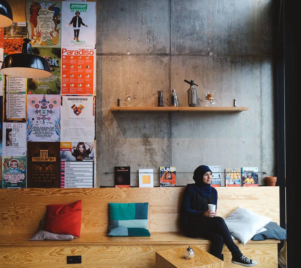 @havvakeskinx-Coffee-Company-Oosterdokkade-Portrait-trilastiko.jpg