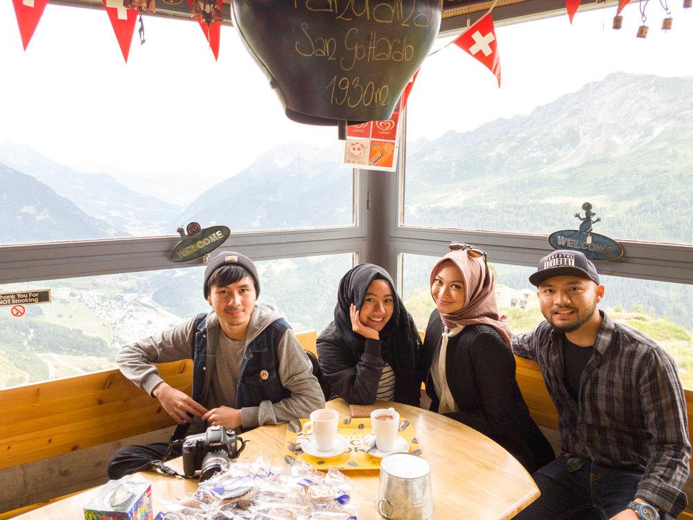 road-trip-2883-km-30-The-Gotthard-Pass-selfie-@trilastiko-@puterawicak-@jihanmuthiah-@indahnadapuspita.jpg