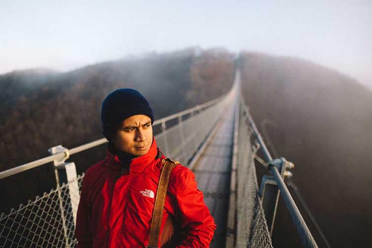 @asyrafacha - Hängeseilbrücke Geierlay - trilastiko - portrait