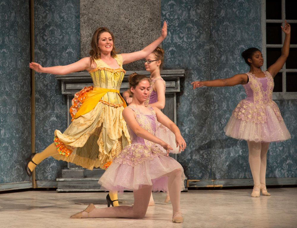 Tisbe in Rossini's Cinderella / Opera Louisiane (photo by Dennis Demcheck)