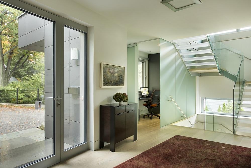 Brookline-Modern-Home-03.jpg