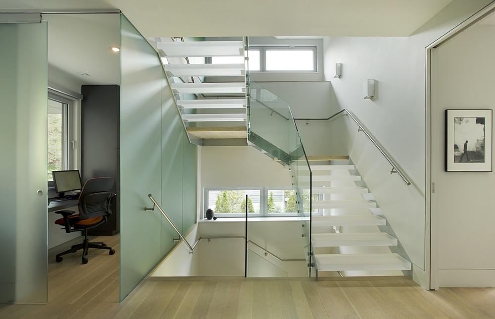 Brookline-Modern-Home-04.jpg