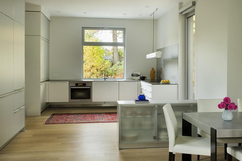 Brookline-Modern-Home-06.jpg