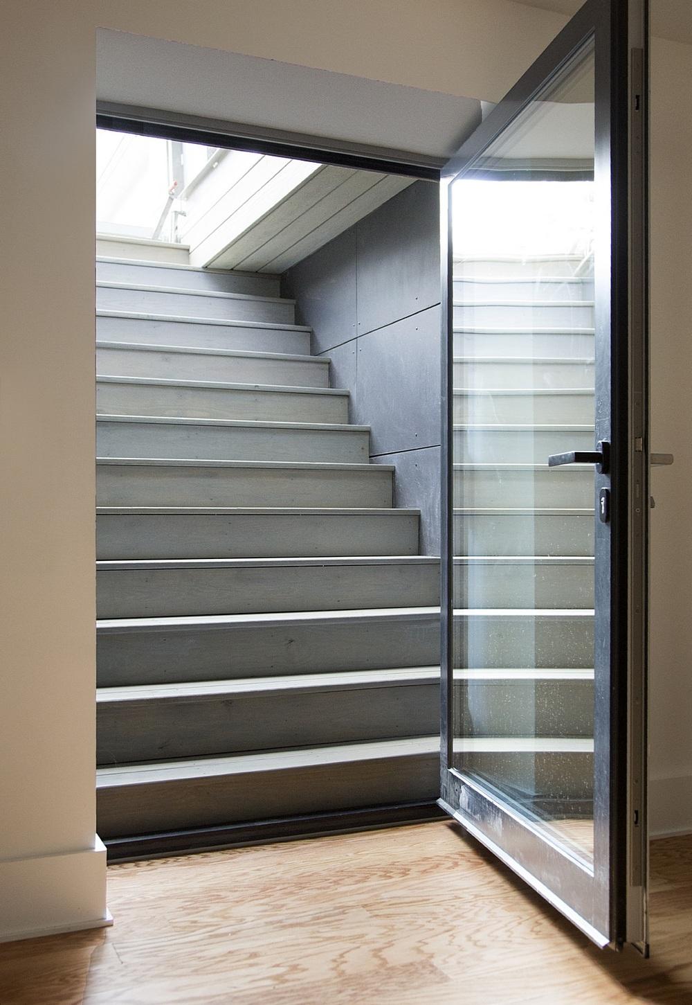 Modern-Green-Home-023.jpg