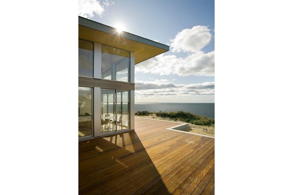Truro-Modern-Beach-House-004.jpg