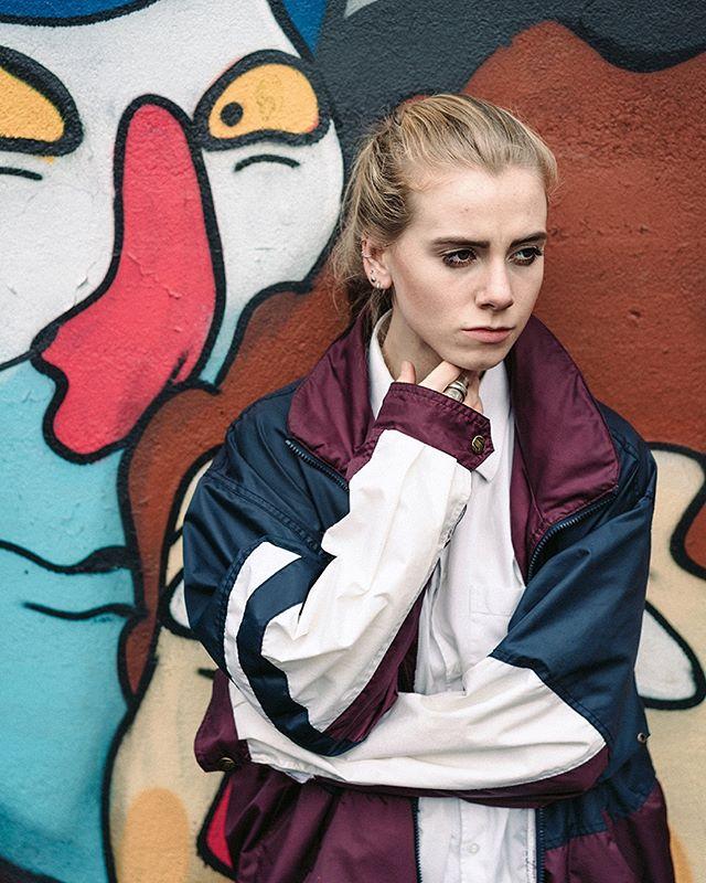 The Favourite (2016) • • • • • • • • • • • • • • #lukelukeluke #girlgang #badabaeng #BeKind #lookslikefilm #lakeflora #lfmag #sonya7rii #sonyalpha #montreal #alphauniverse #rnifilm #makeportraits #filmgrainmyheart #bastardsofyoung #happiestwhenitrains
