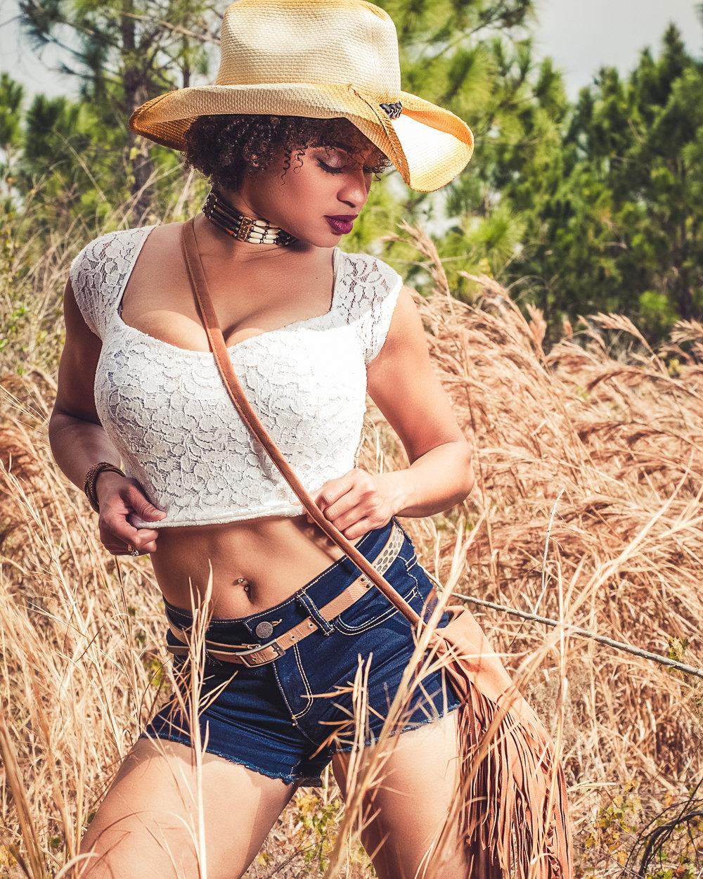 Model :  Francine Sylvia Baptista