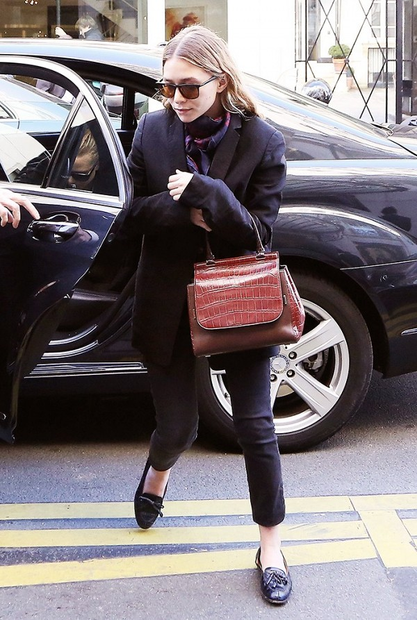 This layered look with men's inspired loafers is perfect for a chic on-the-go run in the city. I'm obsessed with the Olsen's and their fearless flats attitude--regardless of their small, petite frame. Be a boss and be comfy!