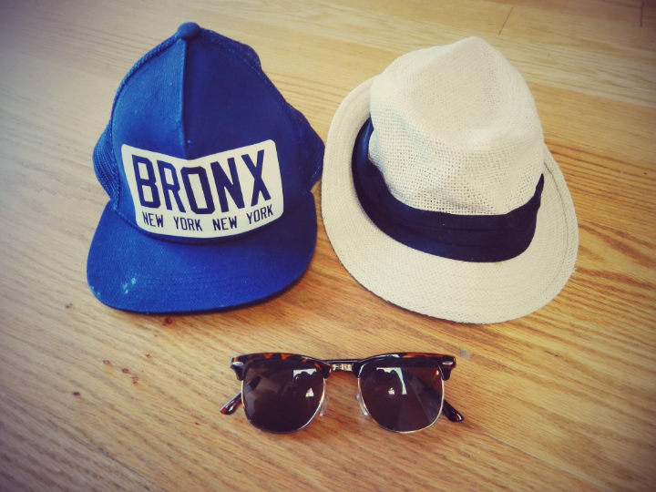 You will bring your best swim suites and bikinis. Complete your outfit by adding your favorite hat and sunglasses.