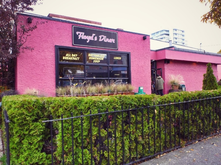 I found this restaurant in my first visit to Victoria. The second time I visited, all I was thinking about was to have brunch in this place again.Check it out, it is at 866 Yates St. My recommendation: American Idol Benedicts. mmm yummy!