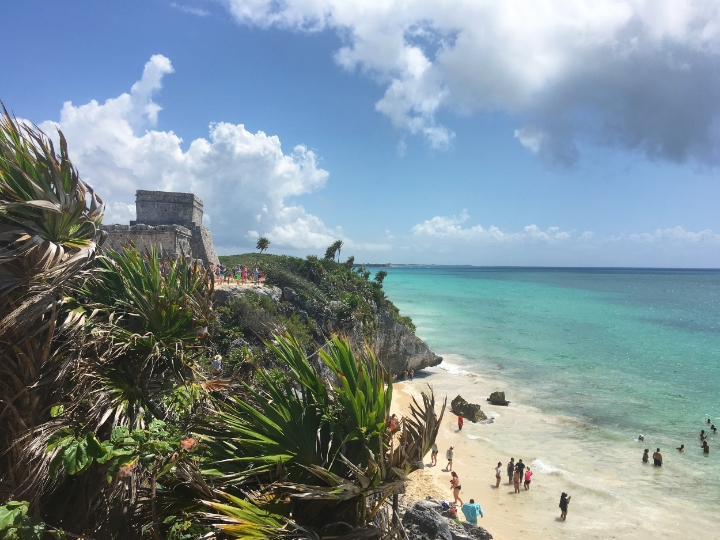 The view are amazing, but it was so crowded. This ruins are really close to Tulum city and the hotel zone. Explore the hotel area, there are good restaurants, boutiques and amazing beaches.