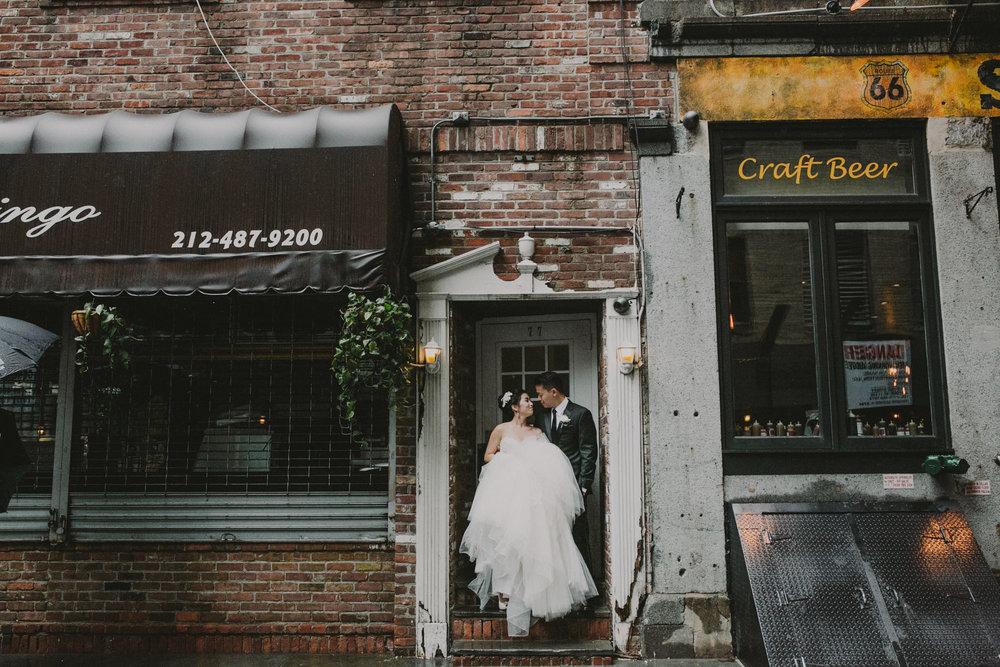 how-to-get-married-in-nyc-photographer-brooklyn-bridge-67.jpg