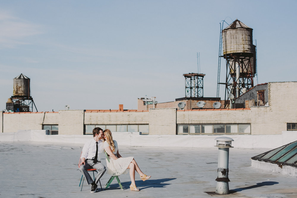 how-to-get-married-in-nyc-photographer-brooklyn-rooftop01.jpg