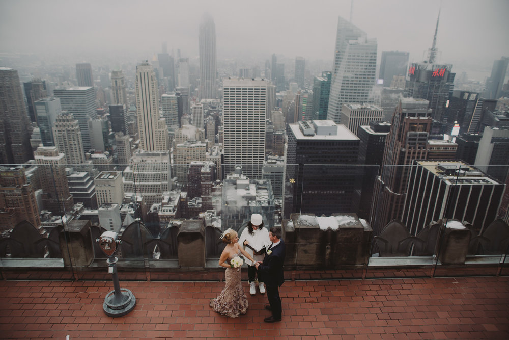 top-of-the-rock-elopement-wedding-photographer-elopednyc_01.jpg