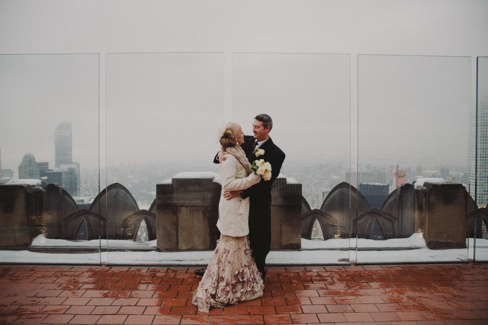 top-of-the-rock-elopement-wedding-photographer-elopednyc_14.jpg
