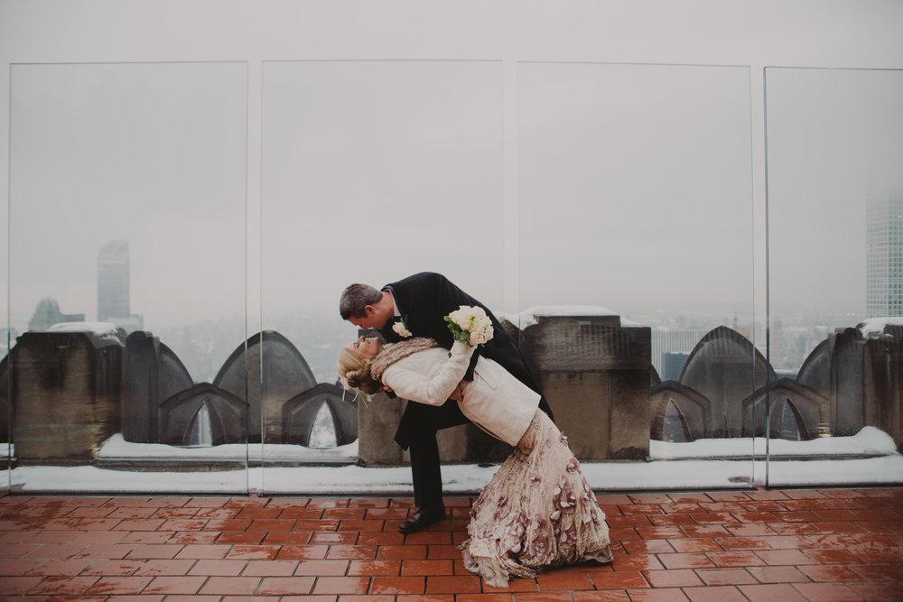 top-of-the-rock-elopement-wedding-photographer-elopednyc_15.jpg