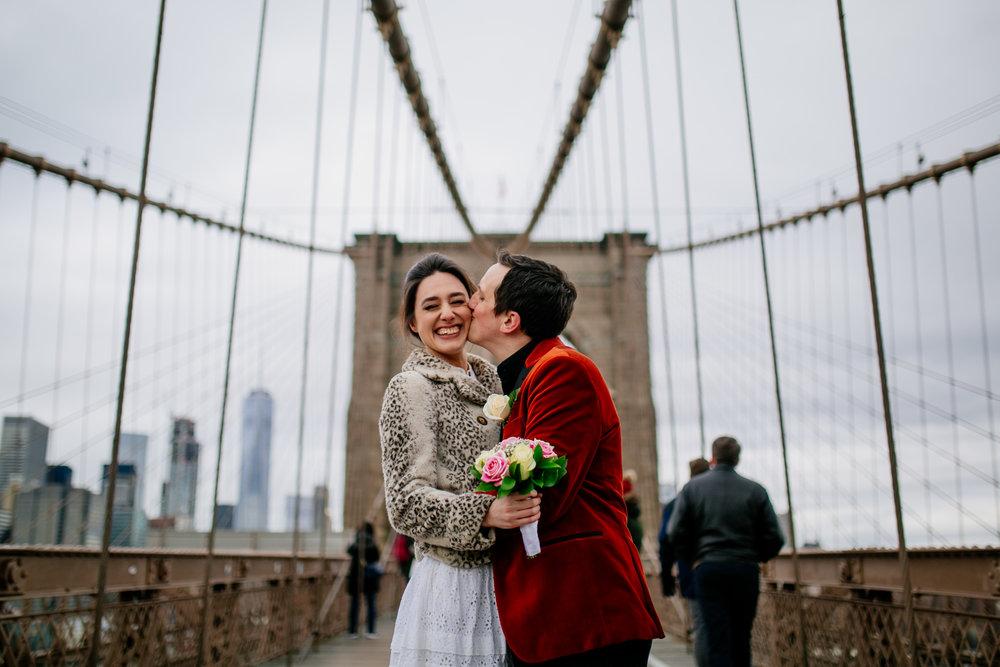 city-hall-elopement-photographer-brooklyn-bridge_23.jpg