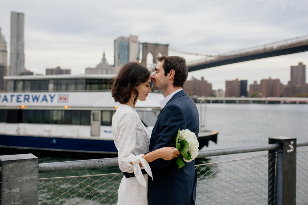elopednyc-nyc-elopement-photographer-brooklyn-bridge-fall_10.JPG