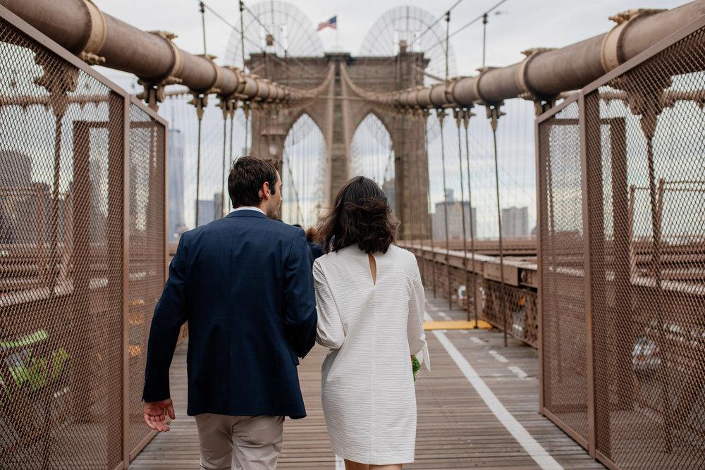 elopednyc-nyc-elopement-photographer-brooklyn-bridge-fall_14.jpg