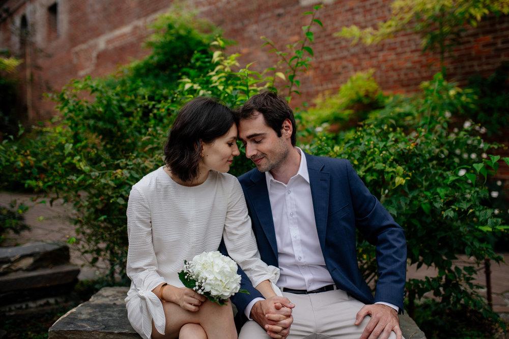 elopednyc-nyc-elopement-photographer-brooklyn-bridge-fall_08.jpg