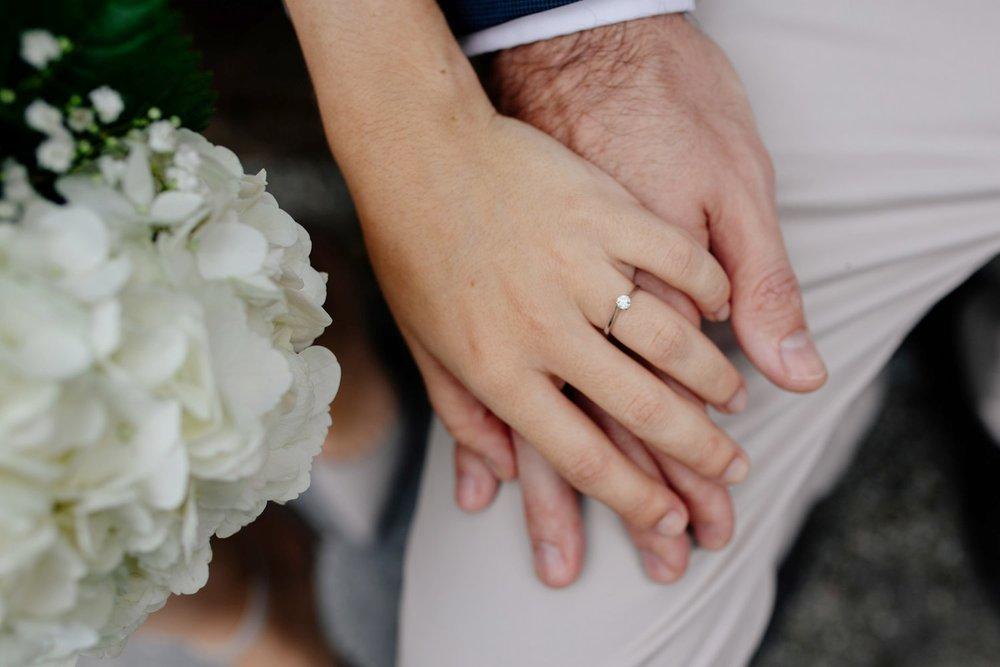 elopednyc-nyc-elopement-photographer-brooklyn-bridge-fall_07.jpg