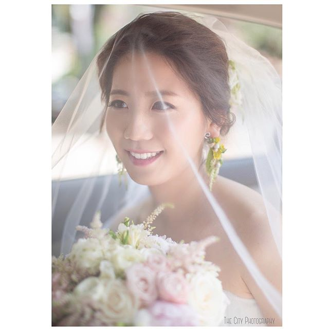 Wedding Day ❤️❤️ _ 📩 Inquiry: thecitysnap@gmail.com  _ #weddingphotographer #bride #newyork #bridehairstyle #bridesmaids #nyphotographer #더씨티스냅 #photographer #데이트스냅 #웨딩드레스 #weddingphotographer #뉴욕웨딩 #스냅사진 #nyweddingphotographer #허니문스냅 #럽스타그램 #뉴욕스냅 #뉴욕여행 #뉴저지