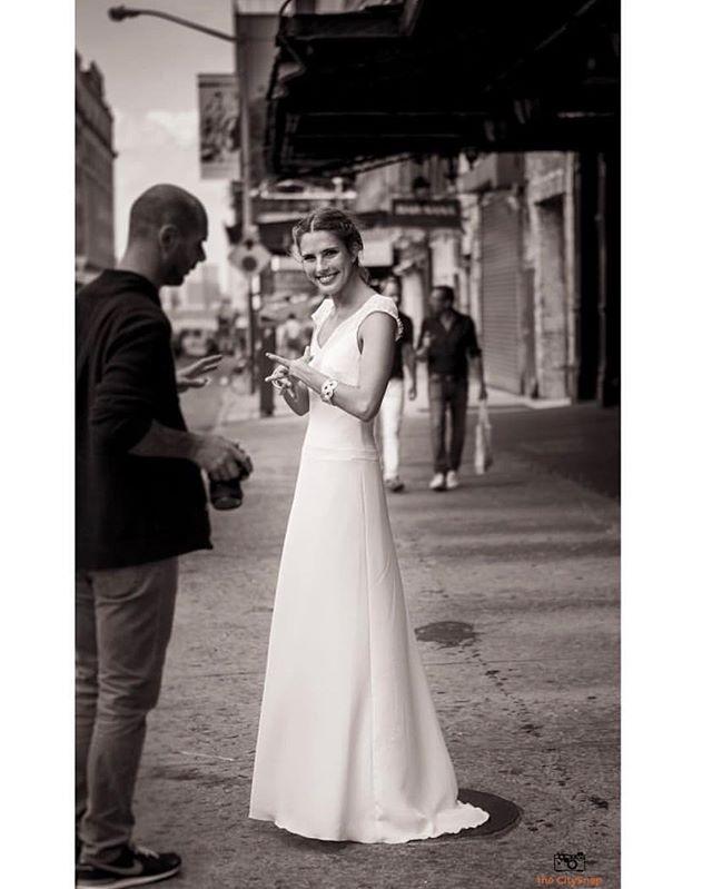 Behind scenes of Photoshoot! 뉴욕 웨딩도 더씨티스냅과 함께 ~  _ 📩 Wedding Inquiry: thecitysnap@gmail.com  _  #newyork #newyorkcity #manhattan #anniversary  #nyweddingphotographer #nyphotographer #portraitphotography #photographer #30thanniversary #weddingphotographer #뉴욕여행 #리마인드웨딩촬영 #centralpark #nyweddingphotographer  #허니문스냅 #뉴욕웨딩 #데이트스냅 #더씨티스냅 #감성스냅 #럽스타그램 #커플스타그램 #뉴욕스냅 #뉴욕여행 #여행스냅 #리마인드웨딩 #스냅사진 #뉴욕야경스냅 #engagementphotos #인생사진 #셀프웨딩 #결혼 #부모님결혼기념일