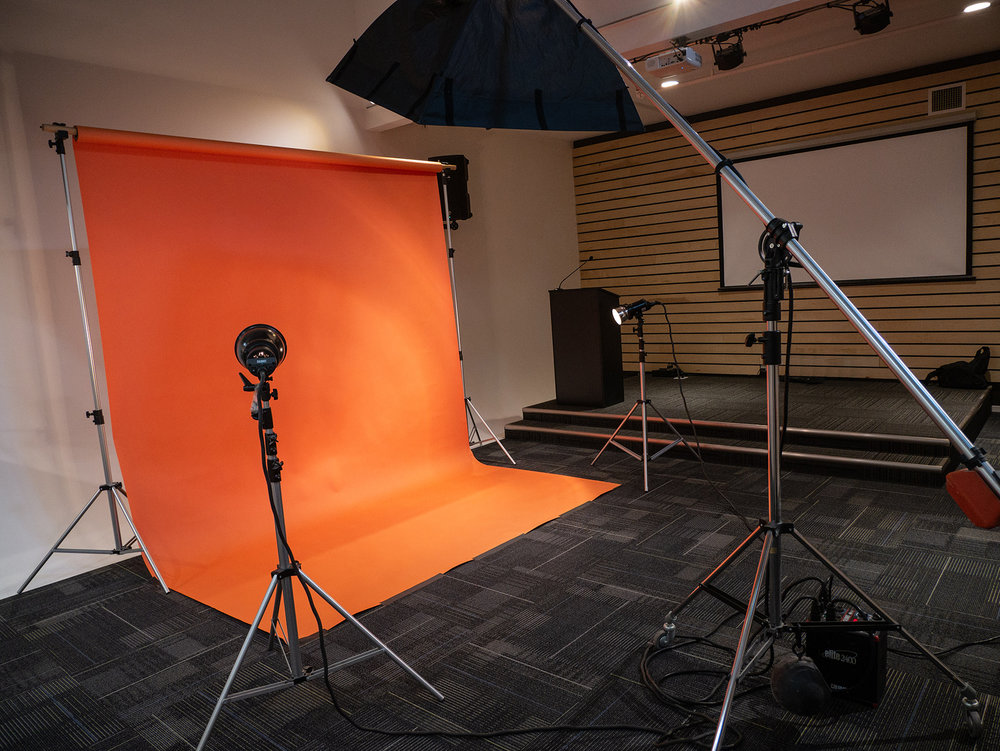 Use of lighting and seamless paper options included with rental