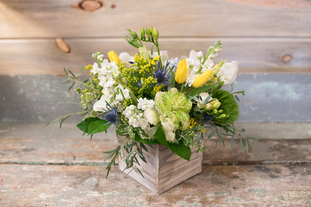 Wood Box Green White Flowers